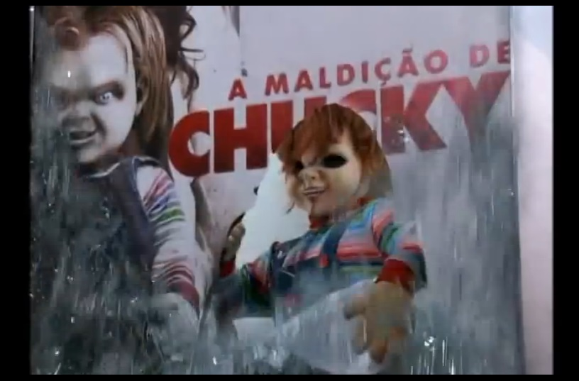 Effroyable l 39 affiche publicitaire du film d 39 horreur chucky s me la terreur au br sil - Personnage film horreur ...