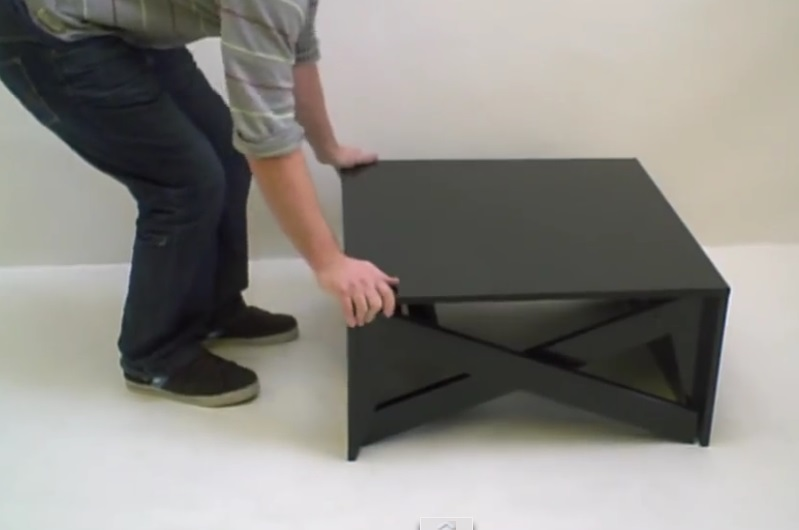 Il transforme sa table basse en il fallait y penser - Table basse qui se transforme en table haute ...