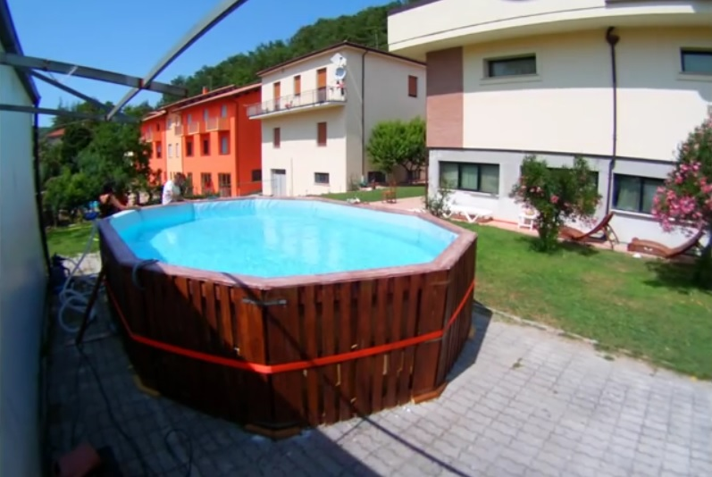 Maison archives buzz ultra for Construire sa piscine bois