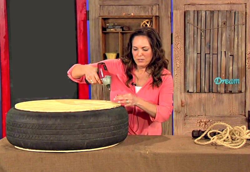 g nial elle fait un meuble avec son vieux pneu en quelques minutes le r sultat est. Black Bedroom Furniture Sets. Home Design Ideas