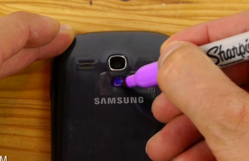 Il colore la lumi re de son t l phone mobile son astuce - Astuce pour une raclette originale ...