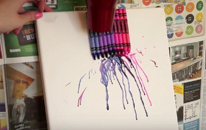 elle fait fondre des crayons de cire avec un s che cheveux sa d coration est sublime. Black Bedroom Furniture Sets. Home Design Ideas
