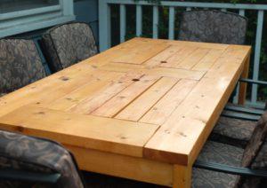 fabriquer table de jardin finition