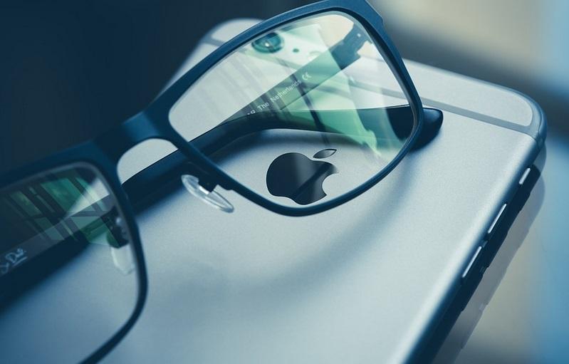 voici comment garder vos lunettes propres 3 fois plus longtemps un truc efficace. Black Bedroom Furniture Sets. Home Design Ideas
