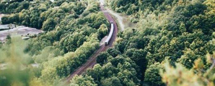 train voyager canada via rail