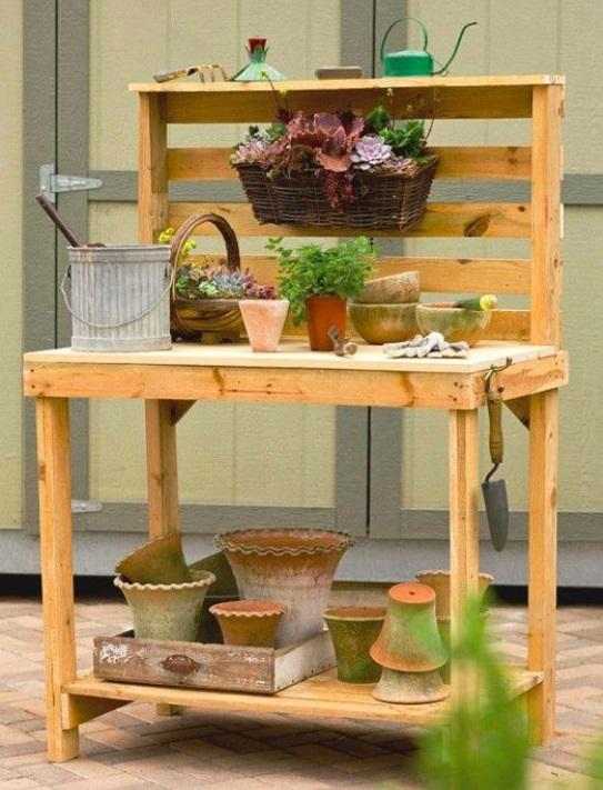 Voici 9 cr ations pour le jardin faire avec des palettes for Construire une table de jardin avec des palettes