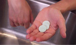 astuce pastille comprime dentier maison