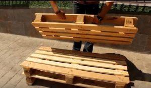 Il fabrique un joli meuble pour le jardin avec une seule - Fabriquer un banc en palette ...