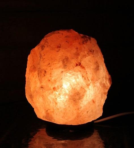 Des Choses Etonnantes Arrivent Lorsqu On Met Une Lampe De Sel D