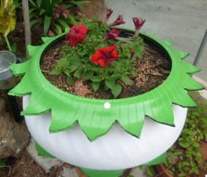 idee jardiniere jardin vieux pneu