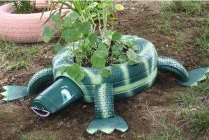 idee jardiniere jardin vieux pneus