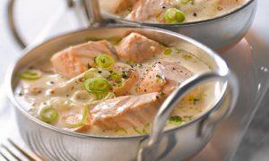 Voici comment faire une blanquette de saumon un plat for Plat rapide a cuisiner