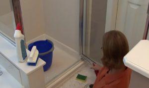 nettoyer porte de douche verre