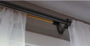 astuce rideau pole elastique