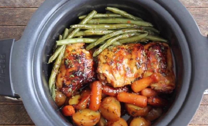 Cuisses de poulet avec une sauce l ail et au miel une - Comment cuisiner une cuisse de poulet ...