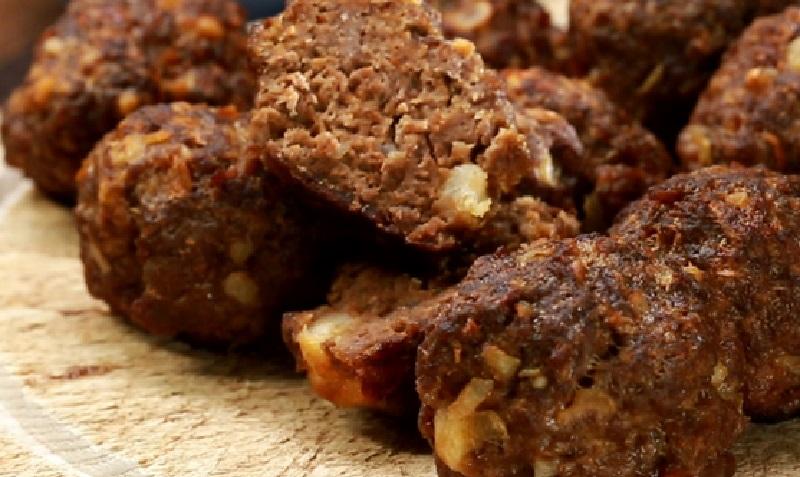Voici les meilleures boulettes de viande hach e une - Comment cuisiner les boulettes de viande ...